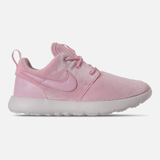Right view of Girls' Preschool Nike Roshe One Casual Shoes in Arctic Pink/Arctic Pink/Sail