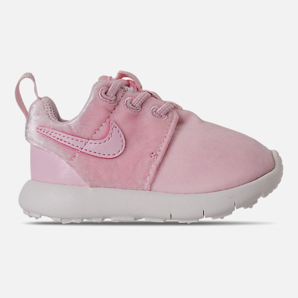Right view of Girls' Toddler Nike Roshe One Casual Shoes in Arctic Pink/Sail