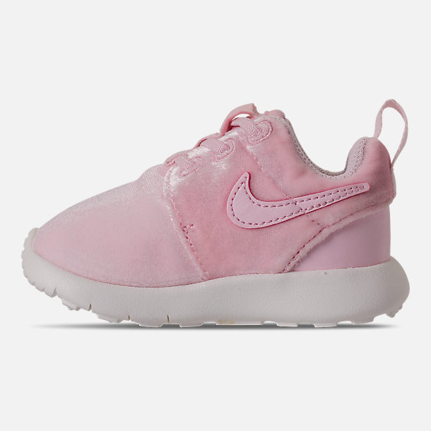 Left view of Girls' Toddler Nike Roshe One Casual Shoes in Arctic Pink/Sail