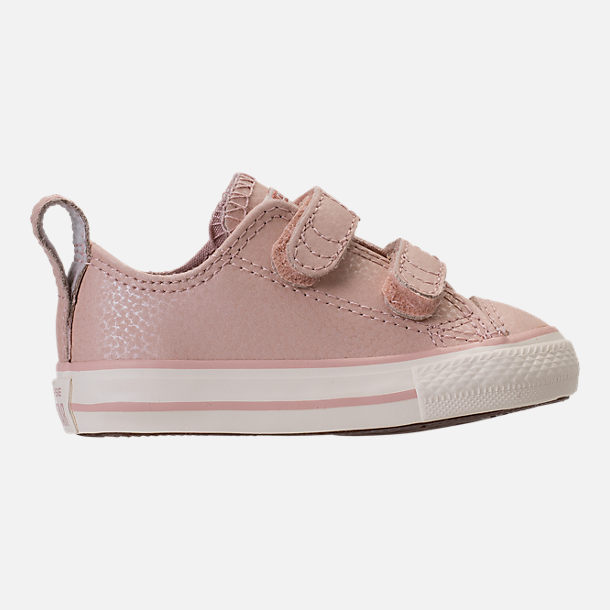Right view of Girls' Toddler Converse Chuck Taylor Ox Leather Hook-and-Loop Strap Casual Shoes in Particle Beige/Egret/Rose