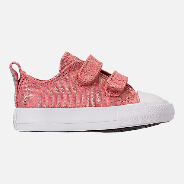 Right view of Girls' Toddler Converse Chuck Taylor OX 2V Casual Shoes in Rust Pink/White