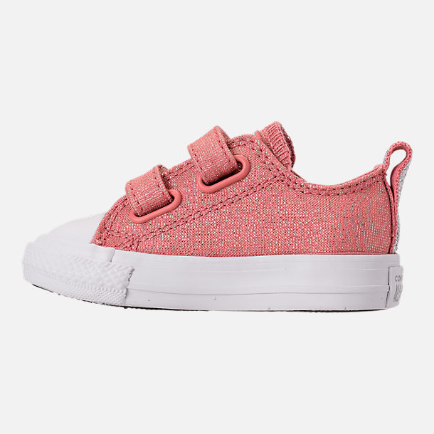 Left view of Girls' Toddler Converse Chuck Taylor OX 2V Casual Shoes in Rust Pink/White