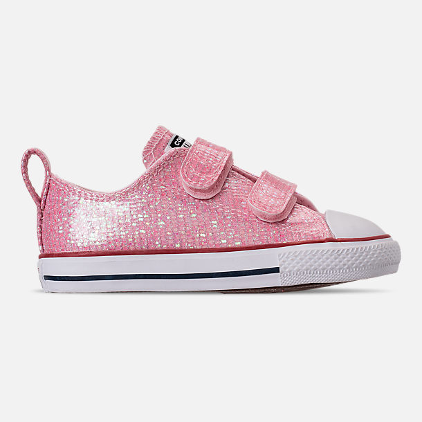 Right view of Girls' Toddler Converse Chuck Taylor All Star Ox Hook-and-Loop Casual Shoes in Pink Foam/Enamel Red/White