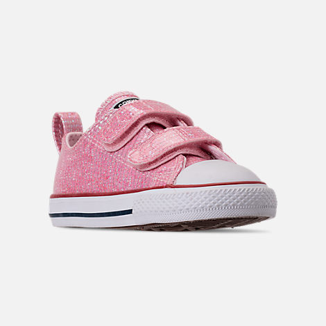 Three Quarter view of Girls' Toddler Converse Chuck Taylor All Star Ox Hook-and-Loop Casual Shoes in Pink Foam/Enamel Red/White