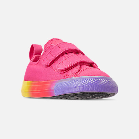 Three Quarter view of Girls' Toddler Converse Chuck Taylor Ox 2V Hook-and-Loop Casual Shoes in Strawberry Jam/Wild Lilac/Black