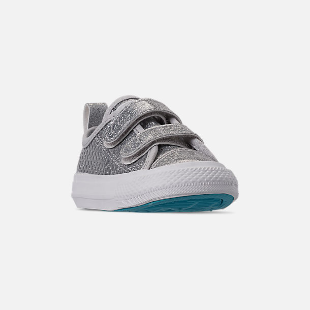 Three Quarter view of Girls' Toddler Converse Chuck Taylor Low Top 2V Hook-and-Loop Casual Shoes in Silver/Gnarly Blue/White
