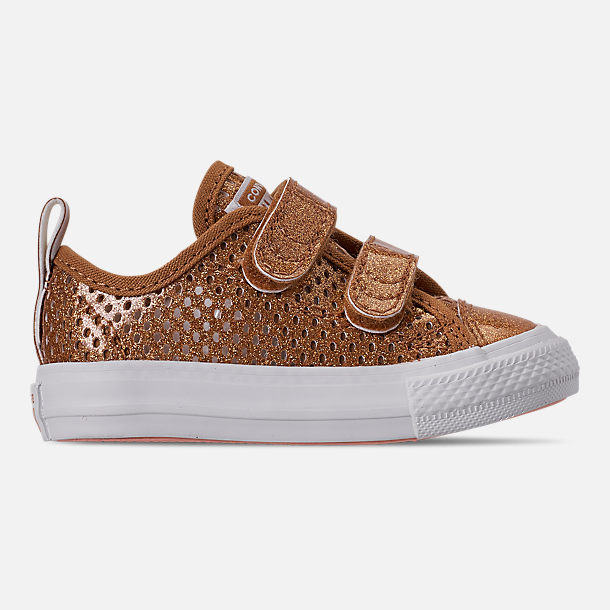 Right view of Girls' Toddler Converse Chuck Taylor Ox 2V Hook-and-Loop Casual Shoes in Bronze/Raw Sugar/White