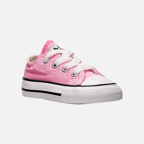 Three Quarter view of Girls' Toddler Converse Chuck Taylor Ox Casual Shoes in Pink