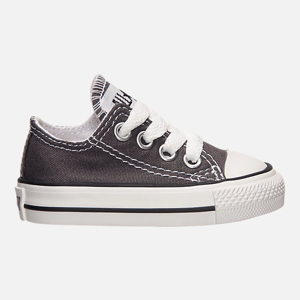 Right view of Boys' Toddler Converse Chuck Taylor Ox Casual Shoes in Grey/White