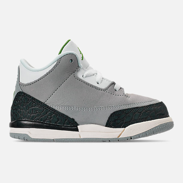 pretty nice ecb82 4c571 Right view of Kids  Toddler Jordan Retro 3 Basketball Shoes in Light Smoke  Grey