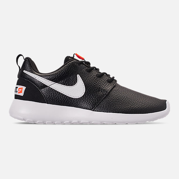 d2d925e477cce Right view of Women s Nike Roshe One Premium Casual Shoes in Black White  Total