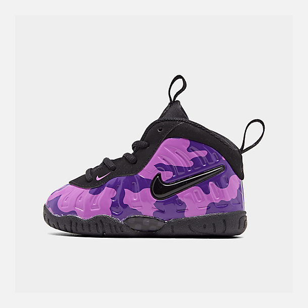 Right view of Kids' Toddler Nike Little Posite Pro Basketball Shoes in Black/Court Purple/Hyper Violet