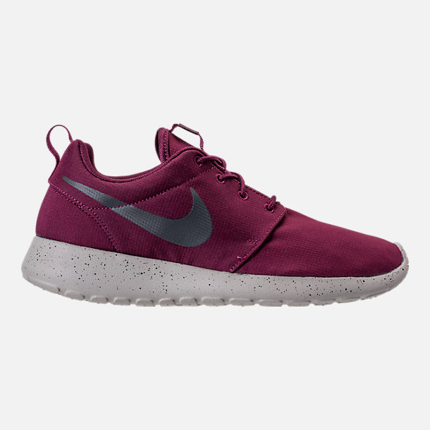 Right view of Men's Nike Roshe One SE Casual Shoes in Bordeaux/Anthracite/Pale Grey