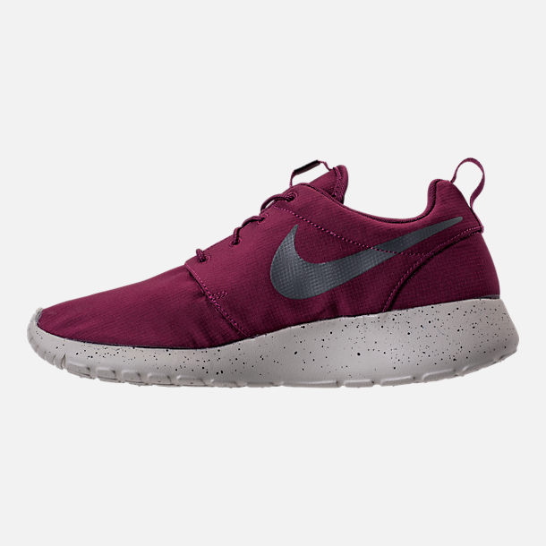 Left view of Men's Nike Roshe One SE Casual Shoes in Bordeaux/Anthracite/Pale Grey