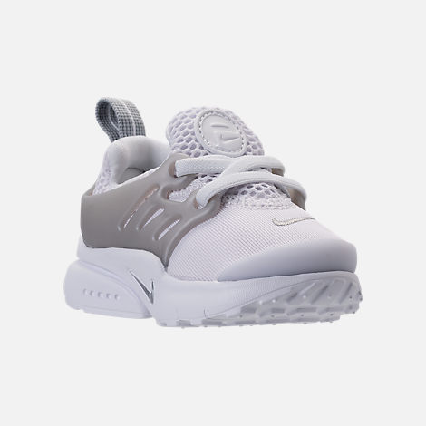 Three Quarter view of Boys' Toddler Nike Little Presto Running Shoes in White/Metallic Silver/Wolf Grey