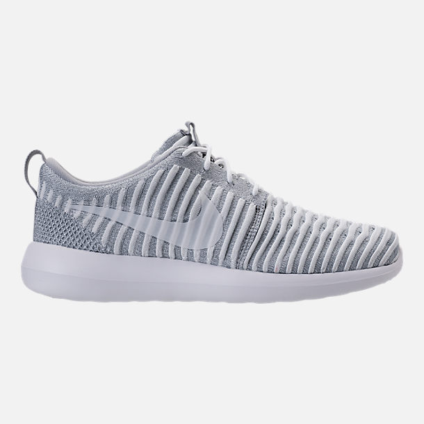 Right view of Women's Nike Roshe Two Flyknit Casual Shoes in Wolf Grey/White