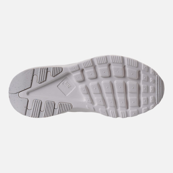 Bottom view of Girls' Preschool Nike Huarache Run Ultra Casual Shoes in Summit White/Metallic Gold Star