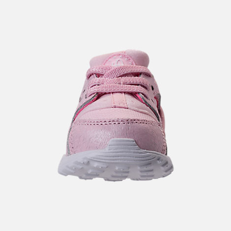 Front view of Girls' Toddler Nike Huarache Run SE Running Shoes in Prism Pink/White