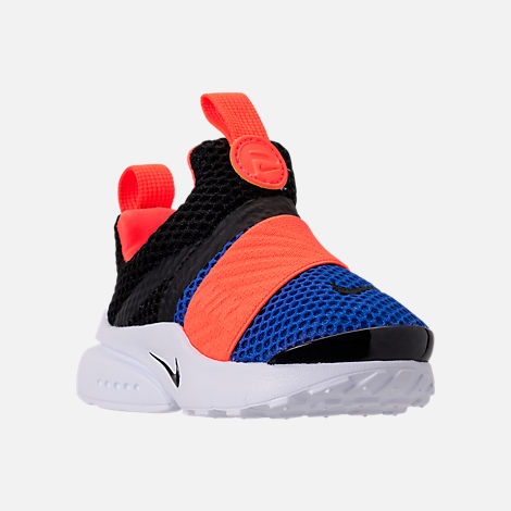 Three Quarter view of Boys' Toddler Nike Presto Extreme Running Shoes in Black/Racer Blue/Total Crimson