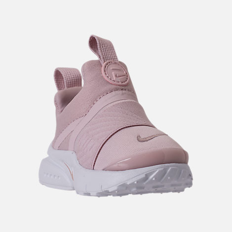 Three Quarter view of Girls' Toddler Nike Presto Extreme Running Shoes in Barely Rose/White/Black