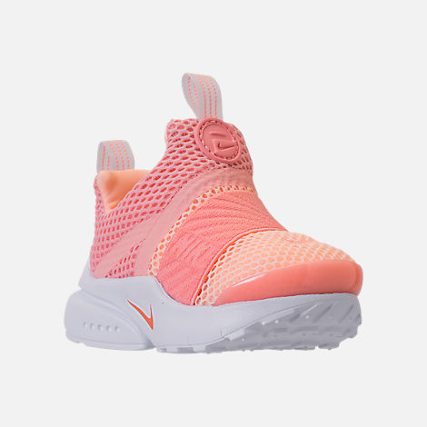 Three Quarter view of Girls' Toddler Nike Presto Extreme Running Shoes in Bleached Coral/Crimson
