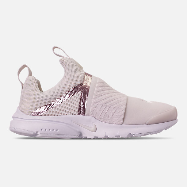 bbe8b33aa3c0 Right view of Girls  Big Kids  Nike Presto Extreme Casual Shoes in Phantom