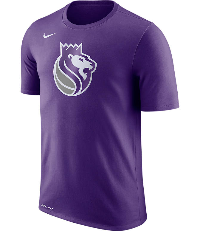 Front view of Men's Nike Sacramento Kings NBA Logo T-Shirt in Court Purple