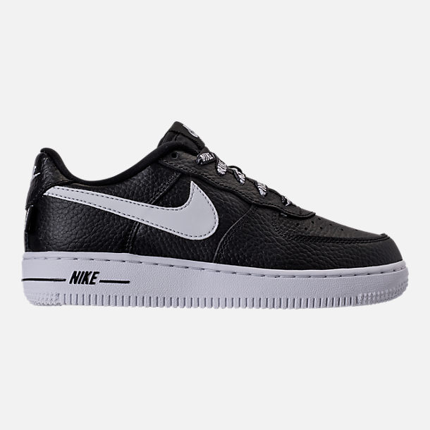 Right view of Boys' Preschool Nike NBA Force 1 Low LV8 Casual Shoes in Black/White