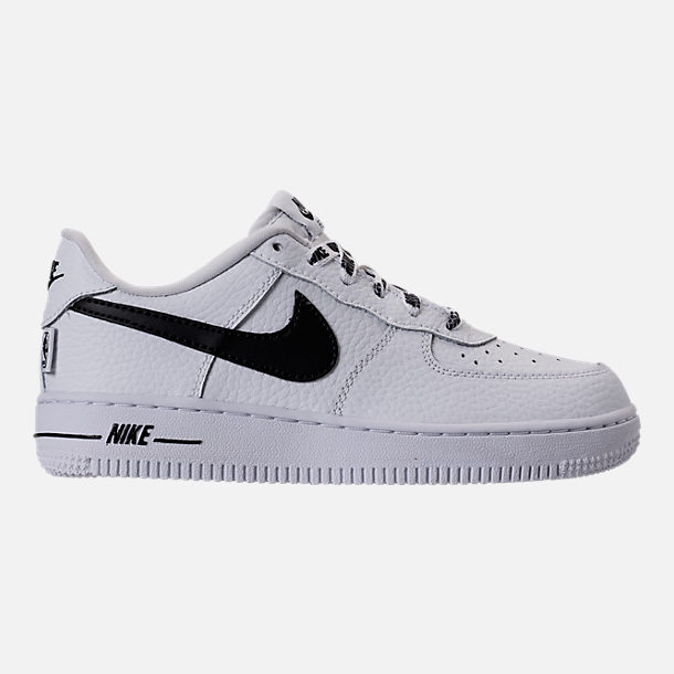 Right view of Boys' Preschool Nike NBA Force 1 Low LV8 Casual Shoes in White/Black