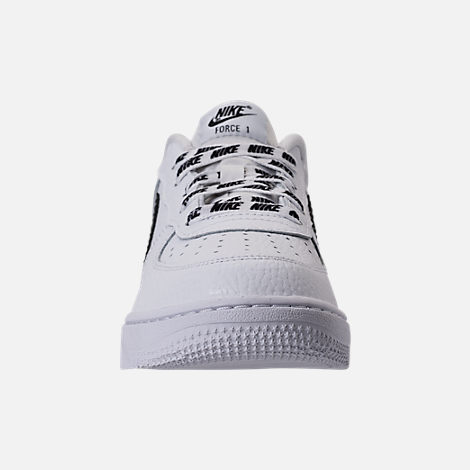 Front view of Boys' Preschool Nike NBA Force 1 Low LV8 Casual Shoes in White/Black