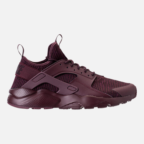 Right view of Men's Nike Air Huarache Run Ultra SE Casual Shoes in Deep Burgundy/
