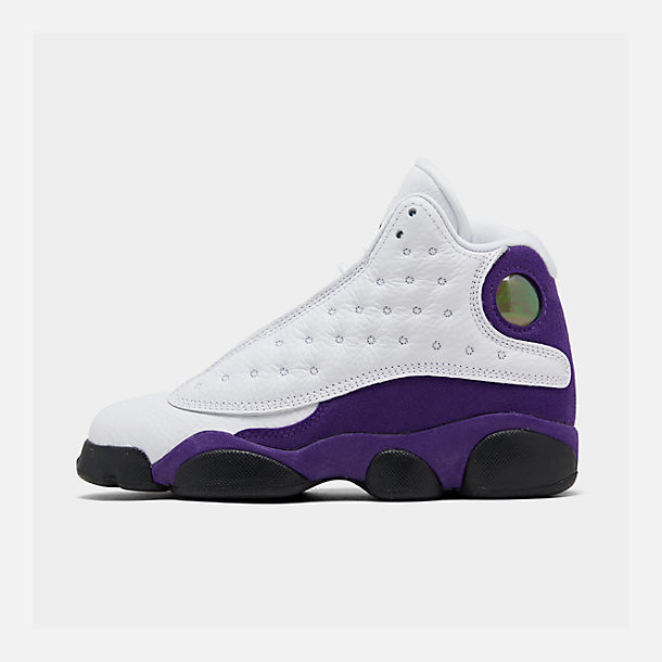 Right view of Big Kids' Air Jordan Retro 13 Basketball Shoes in White/Black/Court Purple