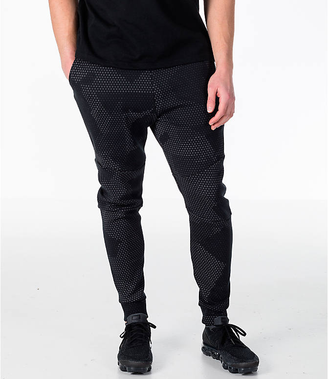 Front view of Men's Nike Sportswear Tech Fleece GX Jogger Pants in Black