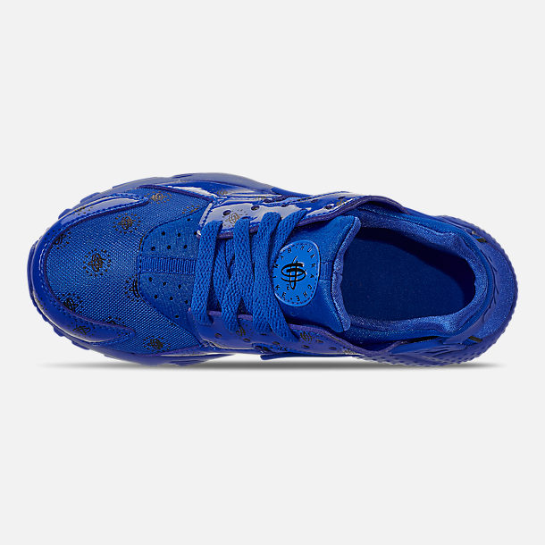 Top view of Boys' Big Kids' Nike Air Huarache Run SE Casual Shoes in Royal Blue/Royal Blue