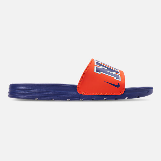 0c8d09f29d81 Right view of Men s Nike Benassi Solarsoft New York Knicks NBA Slide Sandals