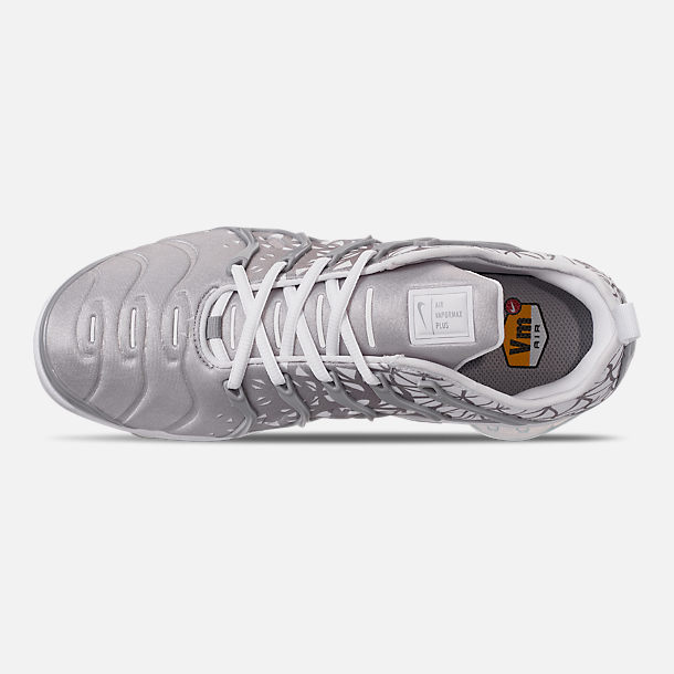 Top view of Men's Nike Air VaporMax Plus Running Shoes in White/Metallic Silver/Wolf Grey