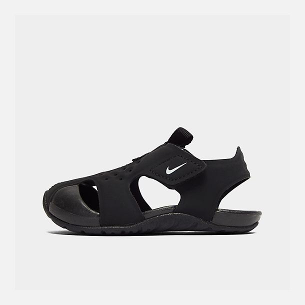 Right view of Boys' Toddler Nike Sunray Protect 2 Hook-and-Loop Sandals in Black/White