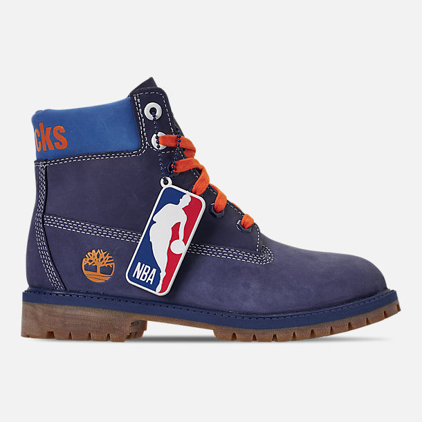 Right view of Boys' Big Kids' Timberland x NBA New York Knicks 6 Inch Classic Premium Boots in New York Knicks