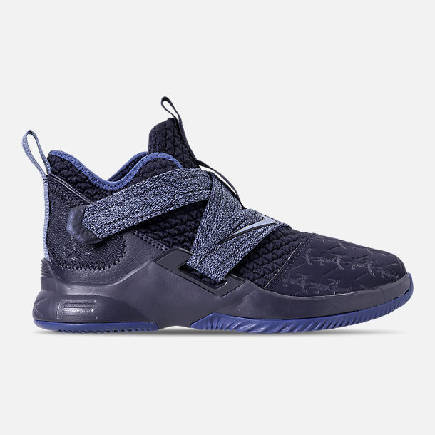 Right view of Boys' Little Kids' Nike LeBron Soldier 12 Basketball Shoes in Blackened Blue/Work Blue/Gym Blue
