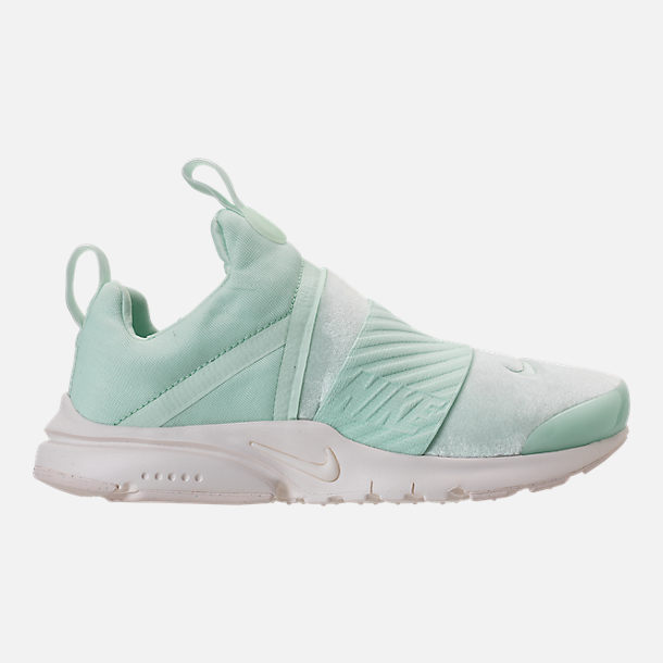 Right view of Girls' Big Kids' Nike Presto Extreme SE Running Shoes in Igloo/Sail