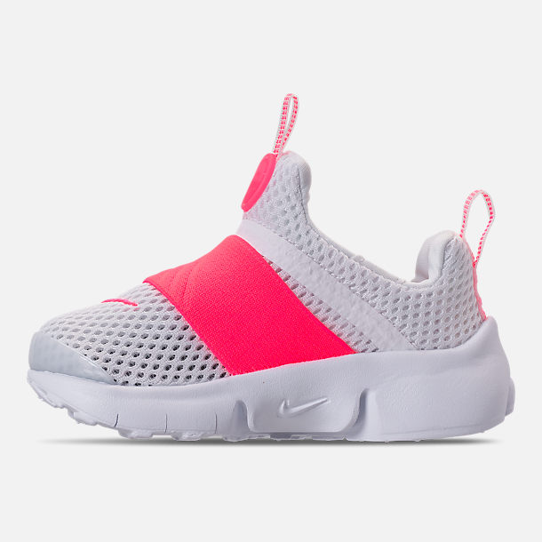 Left view of Girls' Toddler Nike Presto Extreme SE Running Shoes in White/Racer Pink/Rush Pink
