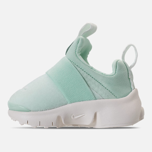 Left view of Girls' Toddler Nike Presto Extreme SE Running Shoes in Igloo/Sail