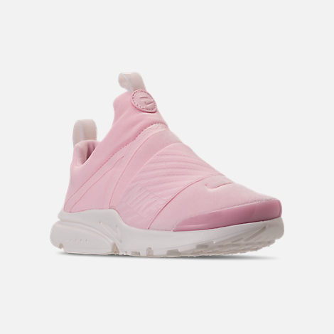 Three Quarter view of Girls' Preschool Nike Presto Extreme SE Running Shoes in Arctic Pink/Sail/Igloo