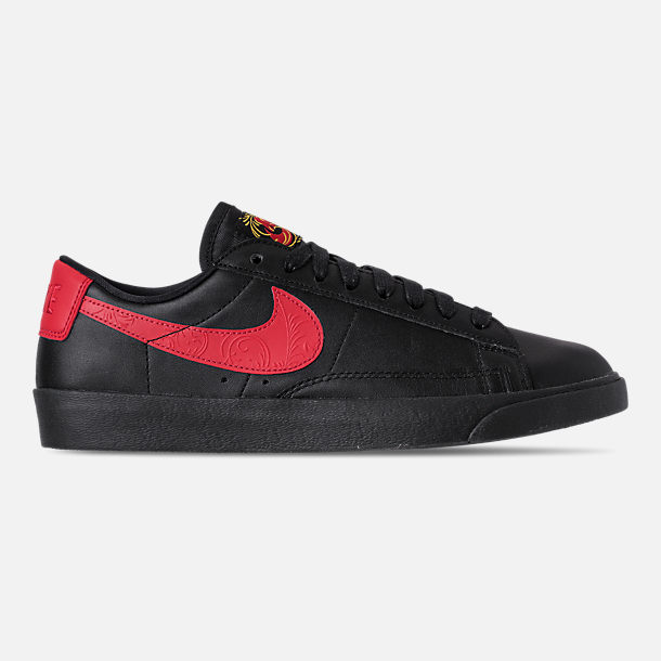 Right view of Women's Nike Blazer Low Casual Shoes in Black/University Red/Red