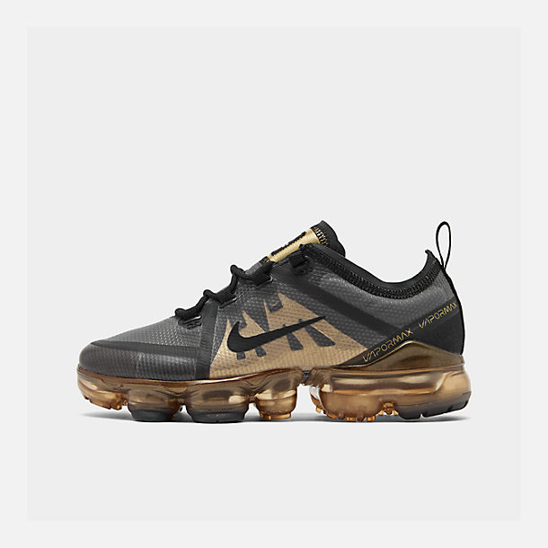 Right view of Big Kids' Nike Air VaporMax 2019 Running Shoes in Black/Black/Metallic Gold