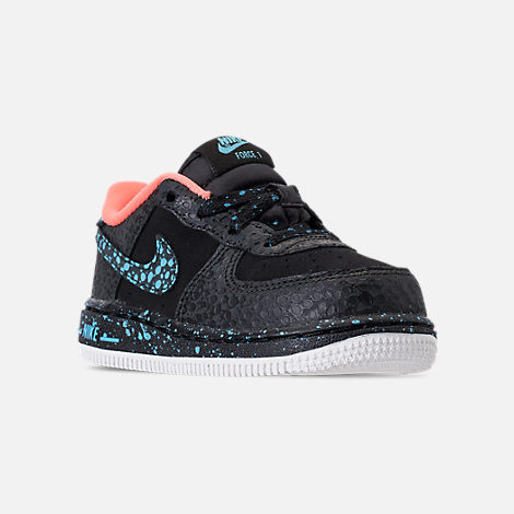Three Quarter view of Boys' Toddler Nike Air Force 1 Pinnacle QS Casual Shoes in Black/Pulse Crimson/Pulse White