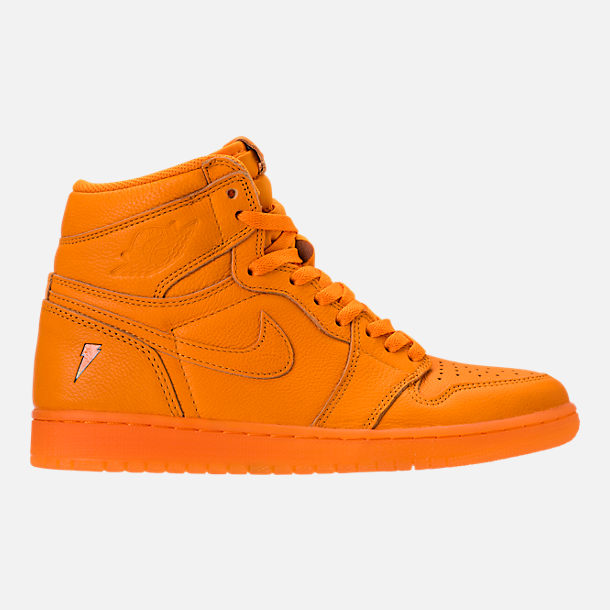 Right view of Men's Air Jordan Retro 1 High OG Basketball Shoes in Orange Peel/Orange Peel