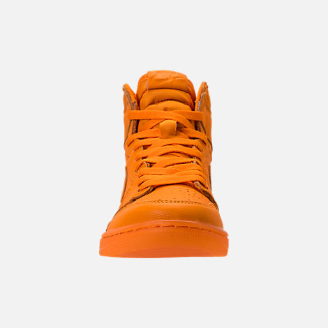 Front view of Men's Air Jordan Retro 1 High OG Basketball Shoes in Orange Peel/Orange Peel