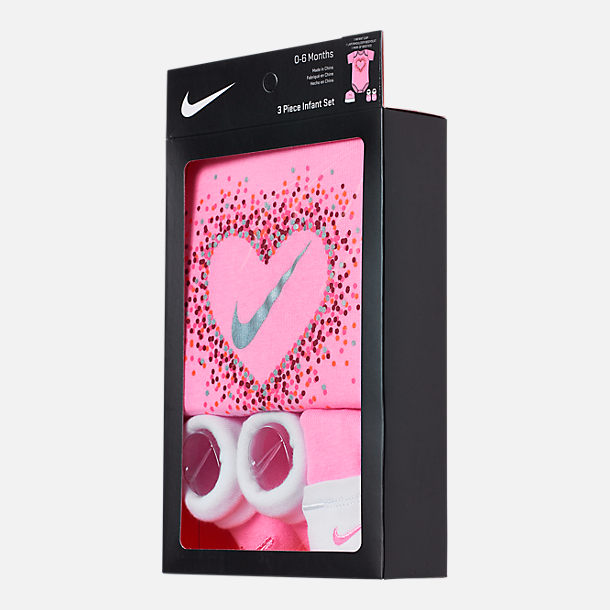 Back view of Girls' Infant Nike Glitter Hearts 3-Piece Box Set in Pink/White/Glitter