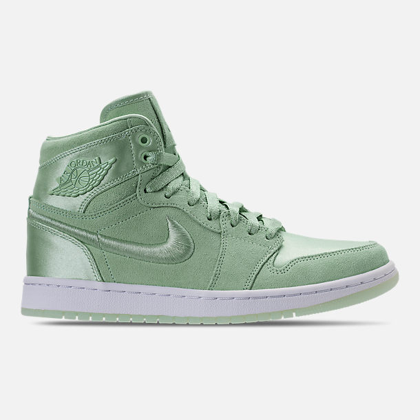 Right view of Women's Air Jordan Retro 1 High OG SOH Casual Shoes in Mint Foam/White/Metallic Gold